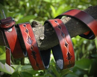 Leather belt handmade in Italy.