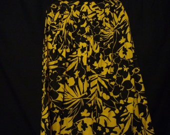 1970's Skirt cotton black and yellow  tropical print
