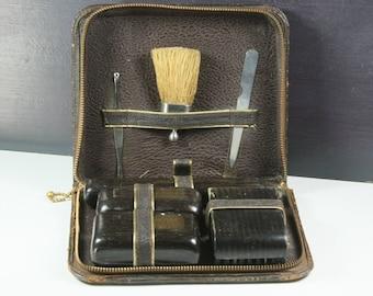 Men's Vintage Travel Grooming Case Leather