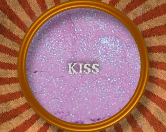 Kiss-Mineral Eye Shadow-Made in the USA