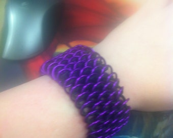 Stretchy Dragonscale Chainmail Bracelet