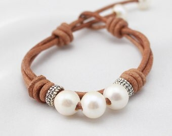 ETS-B0012 Leather bracelet with freshwater pearl beads, pearl beaded leather bracelet, 1pc