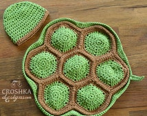 Handmade Crochet Turtle cape and beanie, crochet baby prop, photo prop, newborn set, newborn prop, photography prop, MADE TO ORDER