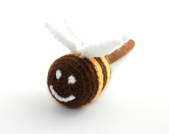 Baby rattle, crochet bee, gift for baby, crochet rattle, crochet toy