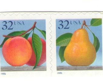 10 Unused 1995 Peaches and Pears - Vintage Postage Stamps Number  2493 - 2494