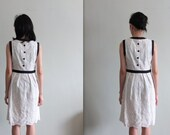 Continental elegance hollow-out lace eyelet sleeveless dress