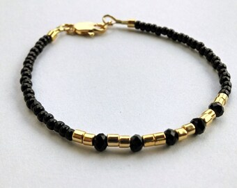 24K gold plated beaded bracelet, black and gold beaded bracelet, beaded friendship bracelet, simple beaded bracelet, beaded bracelet
