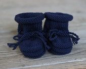 CUSTOM Handmade Merino Wool Baby Booties with Stay-On Laces – Navy