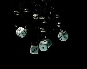 Photo Dice in Water with white passpartout