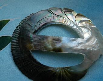 Mother of Pearl buckle for pareo