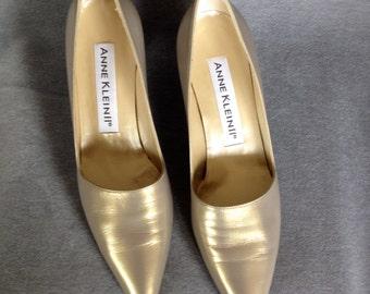 Gold Pumps Anne Klein 1980's No Wear