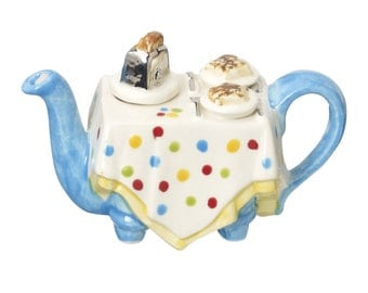 The 'Breakfast Table' one cup Teapot
