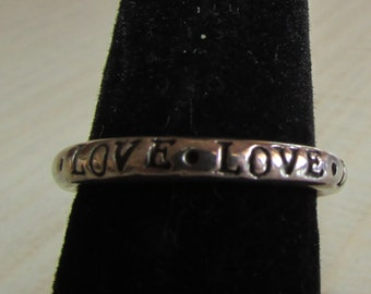 Sterling Silver Band Ring  Size 7   Stamped LOVE