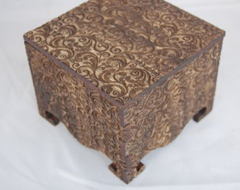 Small Keepsake Box decorated with Lace Pattern