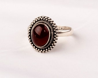 Stunning Vintage Silver Ring with a fine Carnelian gem.    Unique design.