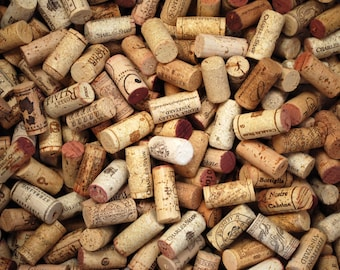 100 (+ a few more for luck)  Used Wine Corks   - All Natural Recycled Wine Corks