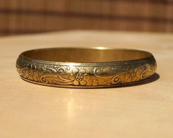 Vintage brass bracelet || floral design || in perfect condition