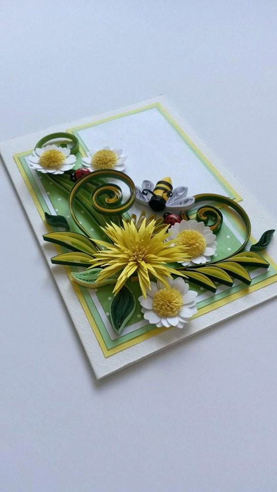 Carte de quilling avec fleurs en papier - Quilling marguerites - Quilling abeille - carte d