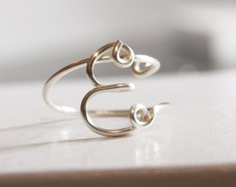"initial ""E"" wire wrapped ring"