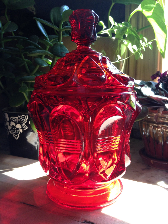 vintage red glass candy jar compote with lid. Black Bedroom Furniture Sets. Home Design Ideas