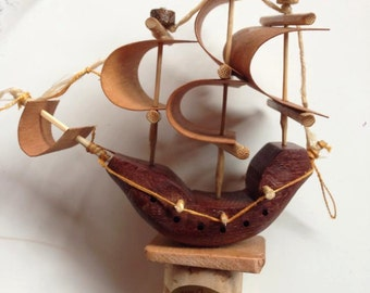 tappo con nave in legno /stopper with wooden ship