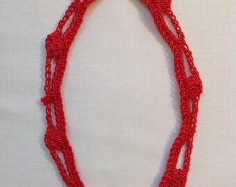 Silky Scallop Edge Necklace