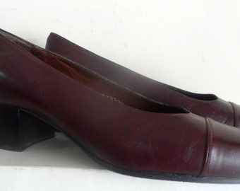 TRUE VINTAGE TREASURE Pumps 80's genuine leather