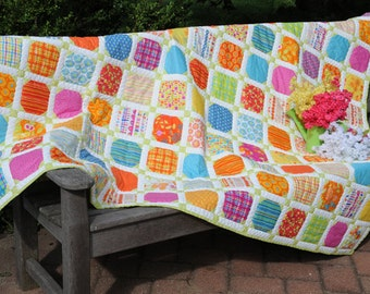Sew Many Charms Bed Quilt