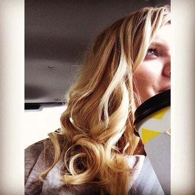 BlondeGirlTrvl
