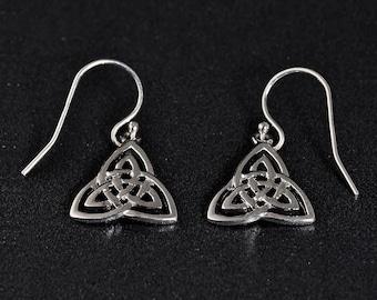 925 Sterling Silver Trinity Earrings . Claddagh trinity Irish earrings. Cute and trendy dangle trinity Earrings. Traditional Irish design .