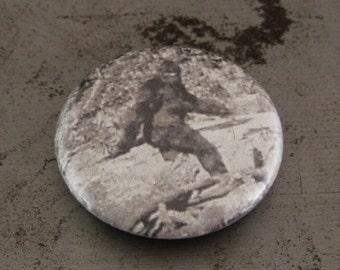 "Bigfoot - Sasquatch - Patterson Gimlin - 1"" Button"