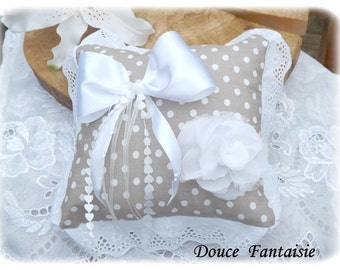 Pillow lace alliance taupe with white dots shabby wedding accessory