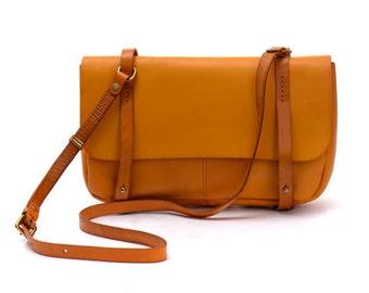 Vintage satchel | Etsy