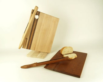 Whittle and the Wood: A Bread board with matching knife