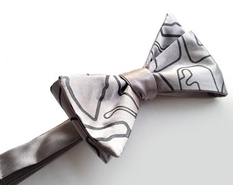 Racetrack bow tie, freestyle men's tie. Race track maps of the world necktie. Perfect for automotive enthusiasts. Your choice of color.