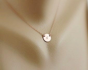 Custom Initial Disc Necklace / Silver Rose Gold Circle Disk Necklace / Simple Jewelry, Sister, Bridesmaid Necklace, Mother Christmas Gift
