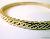 Crown Trifari signed vintage bangle bracelet - brushed gold nautical braid rope - 1950s 1960s - 50s 60s vintage jewelry from yippeevintage