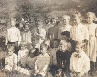 Vintage photo Large Group Summer Sun Kissed Children in Field Sunshine Faces 1915