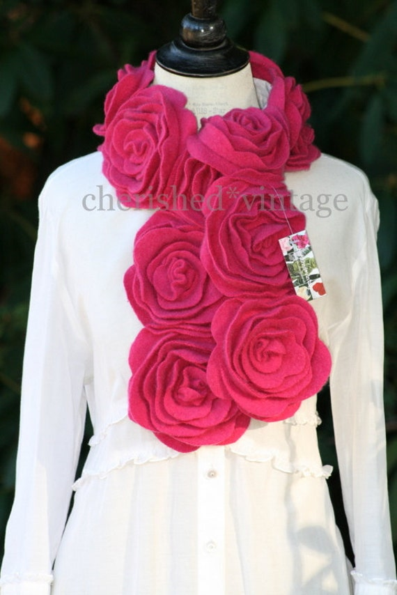 GoRGEOuS HONeYSuCKLe PinK CaSHMeRe RuFFLe RoSe SCaRF