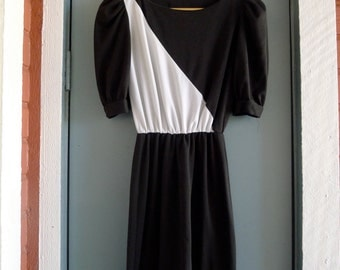 vintage asymmetrical color block black white dress xs/small