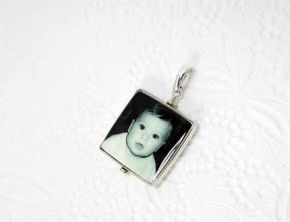 Custom Photo Pendant, Personalized Photo Jewelry, Keepsake Jewelry - Medium - FP2H