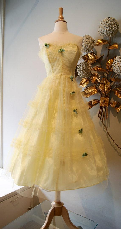 Vintage Prom Dress / 1...