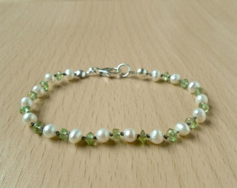 Peridot and Pearl Hand Knotted Bracelet