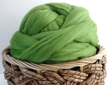 Merino Wool Roving, Spring Leaf Green, 4 ounces