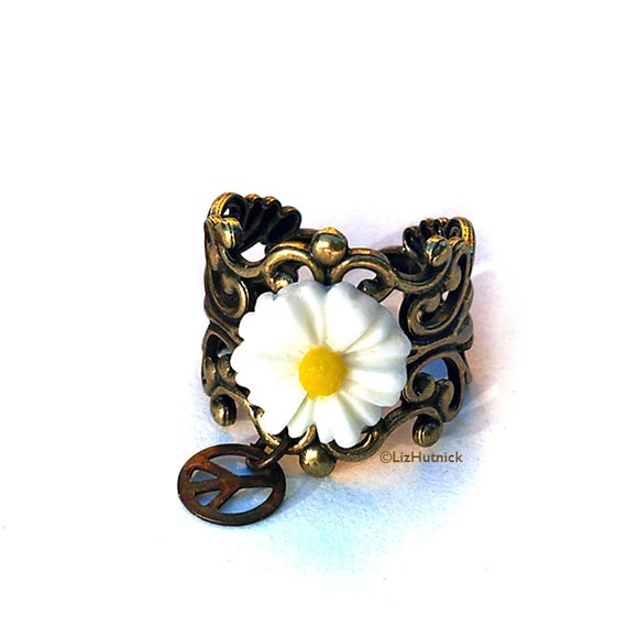 Hippie Chic Daisy Ring, Adjustable Novelty RIng, Handmade Bohemian Flower Ring, Peace Sign