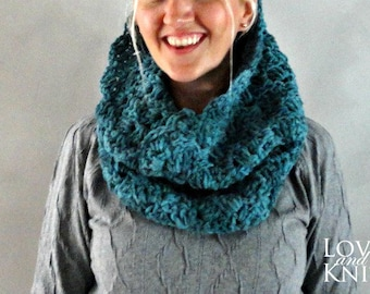 Crochet Cowl Scarf . Hooded Cowl . Alpaca Cowl . Chunky Cowl . Wool Knit Cowl Scarf . Knit Snood . Hand Knit Cowl Scarf
