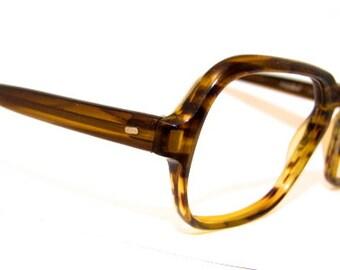 1970s Mens Eyeglasses // 60s 70s Vintage Frames // Tortoiseshell // Italy