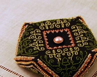 Maggie's Garden Biscornu Cross Stitch Pattern - Contemporary Blackwork Embroidery