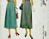 1940s Classic Six Gore Skirt Pattern McCALL 7337   1940's Vintage Skirt Pattern  Retro Sewing Pattern  1948 Classic Skirt Pattern  Waist 24