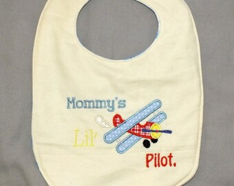 Plane baby boy bib - pilot baby bib - baby boy plane bib - baby boy pilot bib - mommy's little pilot bib